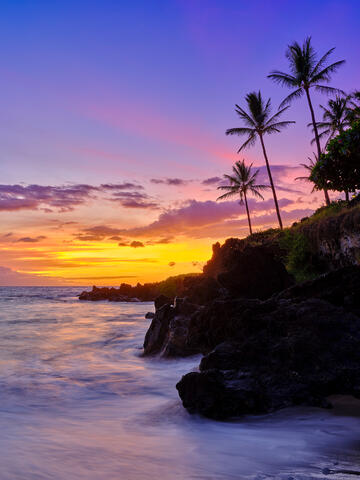 sunset afterglow at makena surf beach in south Maui.  Photographed by Andrew Shoemaker