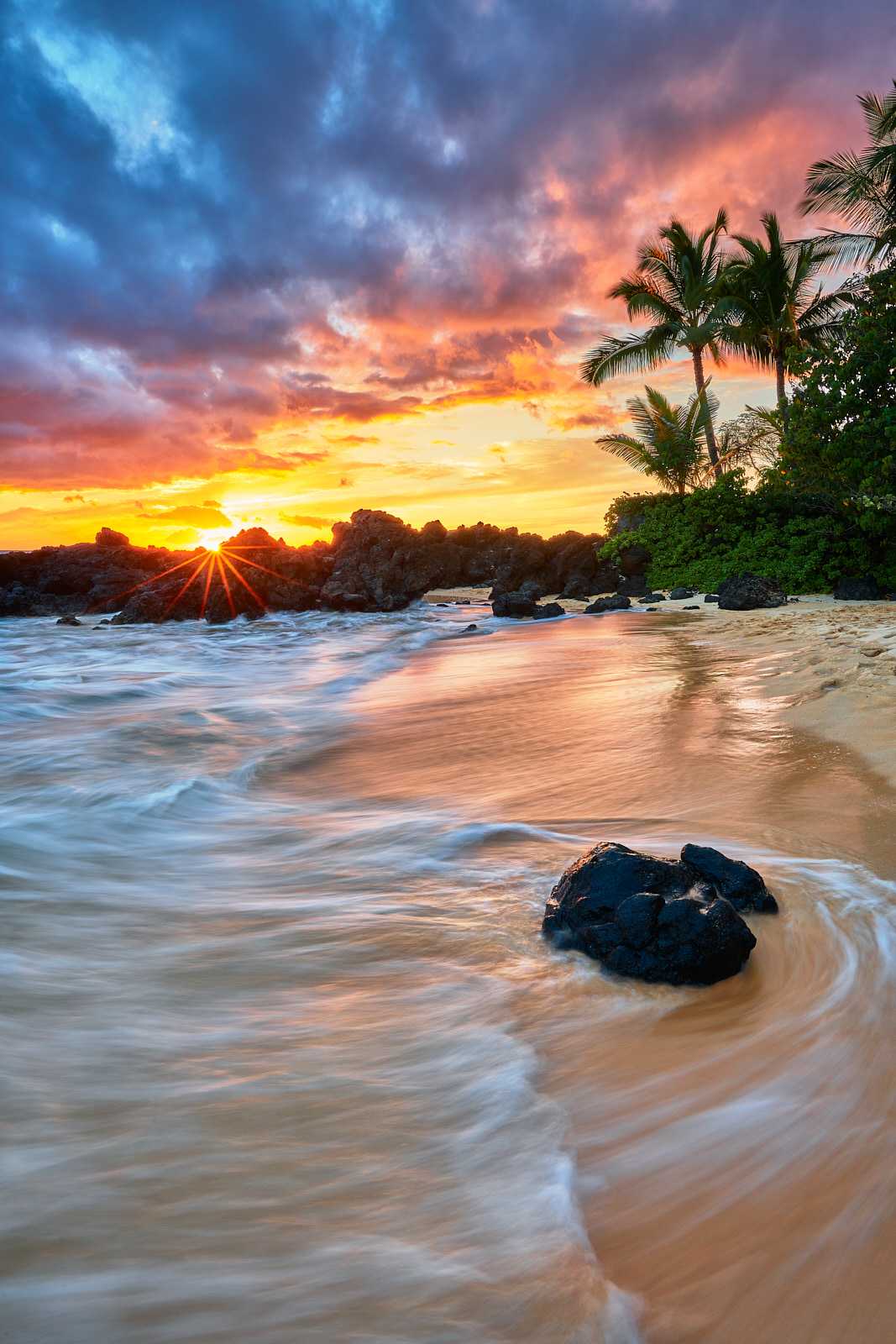 I stumbled upon this beautiful scene dowin in Makena here on Maui and all of the elements just kind of come together here.  My...